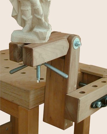 Figurenschraube mit Holzwinkel