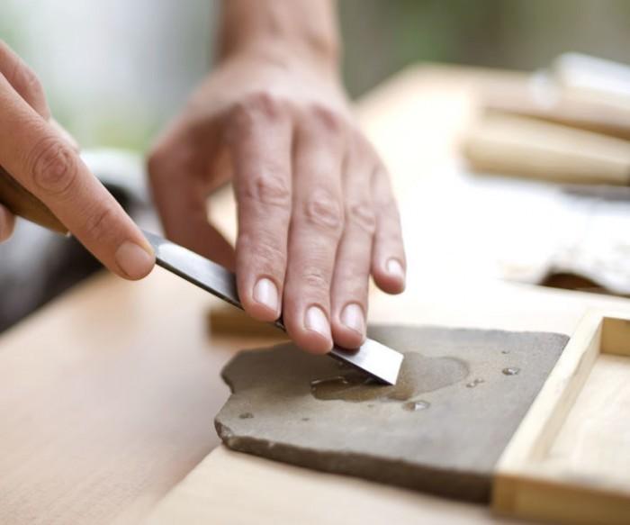 Händisch ohne Maschine Messer schleifen