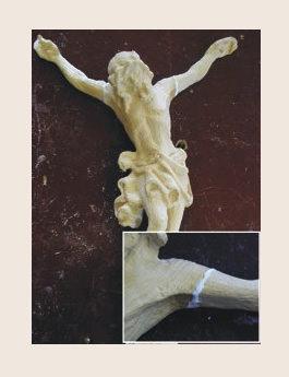 Christus Figur Arm ankleben