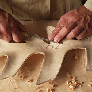 Die Wahl der richtigen Holzsorte für Ihre Schnitzprojekte